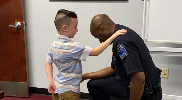 Video of 7-Year-Old Boy's Prayers with Local Police Goes Viral