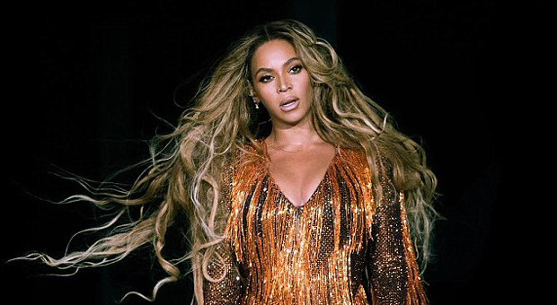 Beyonce's Former Drummer Accuses Singer of 'WITCHCRAFT' And Murdering a Kitten