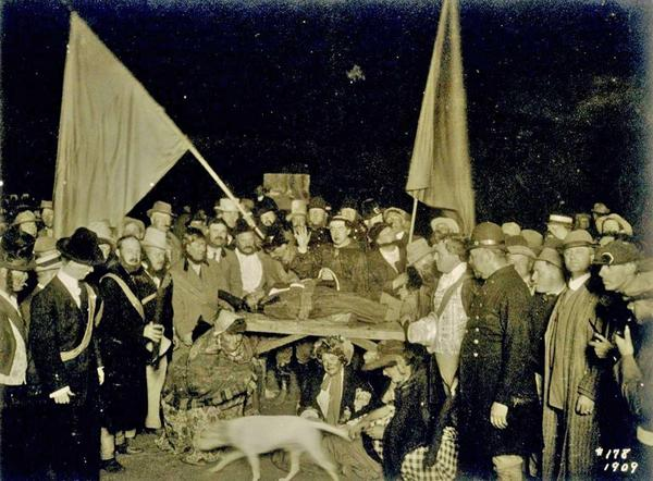 Bohemian Grove 1909 - Shocking image shows satanic sacrifice of a black child...