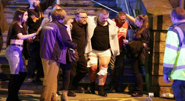 η επίθεση αρένα Μάντσεστερ αντικατοπτρίζει spookily τις επιθέσεις του Παρισιού το 2015, όταν ένοπλοι που σφάζονται αθώα θεατές συναυλία