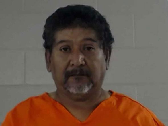 58 år gammal miguel briseno arresterades i Texas för sexuellt missbrukande fosterhem flickor i hans hem