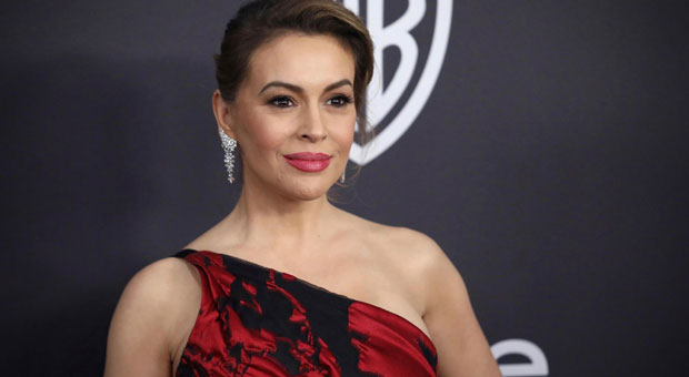 Alyssa Milano Pushes Claim that Praying for Trump is Like Lynching Black People