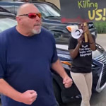 Angry Texan Confronts Black Lives Matter Mob Blocking Traffic - WATCH