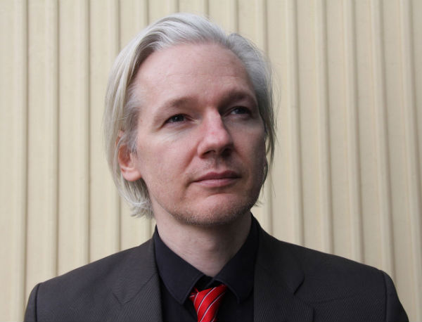 if julian assange really does have a spaceship in a hangar smoking gun  it could be his ultimate get out of jail free card