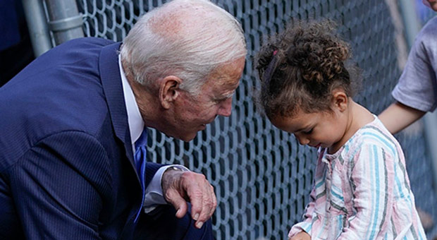 Biden Responds to Hecklers Yelling 'Traitor': 'I Like Kids Better than People'