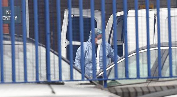 Cop Shot Dead By Gunman Inside London Police Station