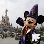 Disneyland Paris Worker Tests Positive for Coronavirus