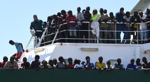 EU Called On to Deliver Migrants from Greece to Germany on Cruise Ships