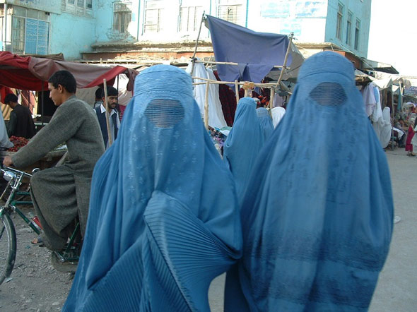 the taliban is forcing all women to wear full islamic clothing or face death