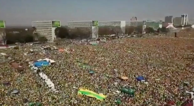 Hundreds of Thousands of Brazilians Rise Up to Reject 'The Great Reset' Hundreds-thousands-brazialians-great-reset-19921
