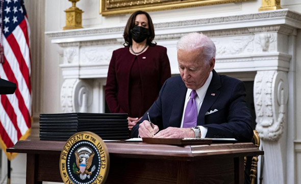 joe biden has been busy signing a flurry of anti trump executive orders since taking office