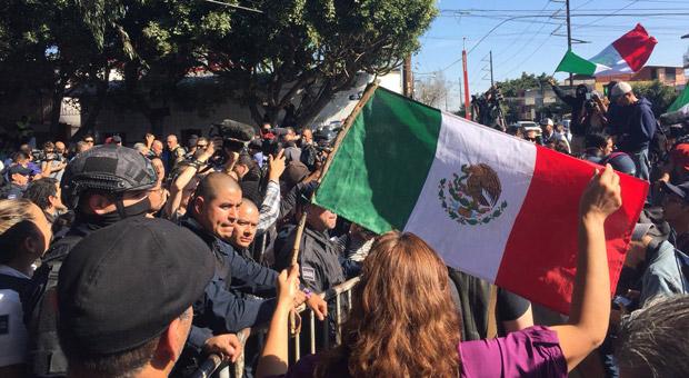 Mexican Citizens Rise Up Against Migrant Caravans: 'Kick Them Out'