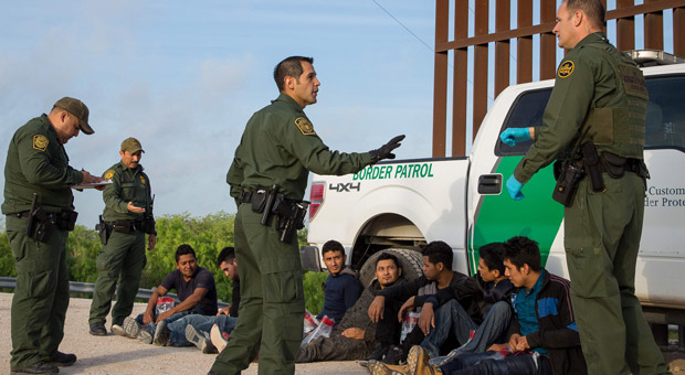 a gang of violent central american migrants were caught trying to enter the us illegally