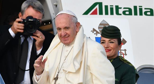 Pope Francis Tells Stunned Journalist: