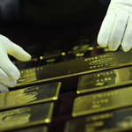 Russia Liquidates Almost All of its US Debt, Starts Buying Gold