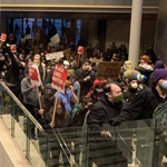 Seattle Protesters Storm City Hall After Driving Police From the Area