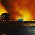 Australia: Two Bushfires Merge to Form Single Mega Blaze