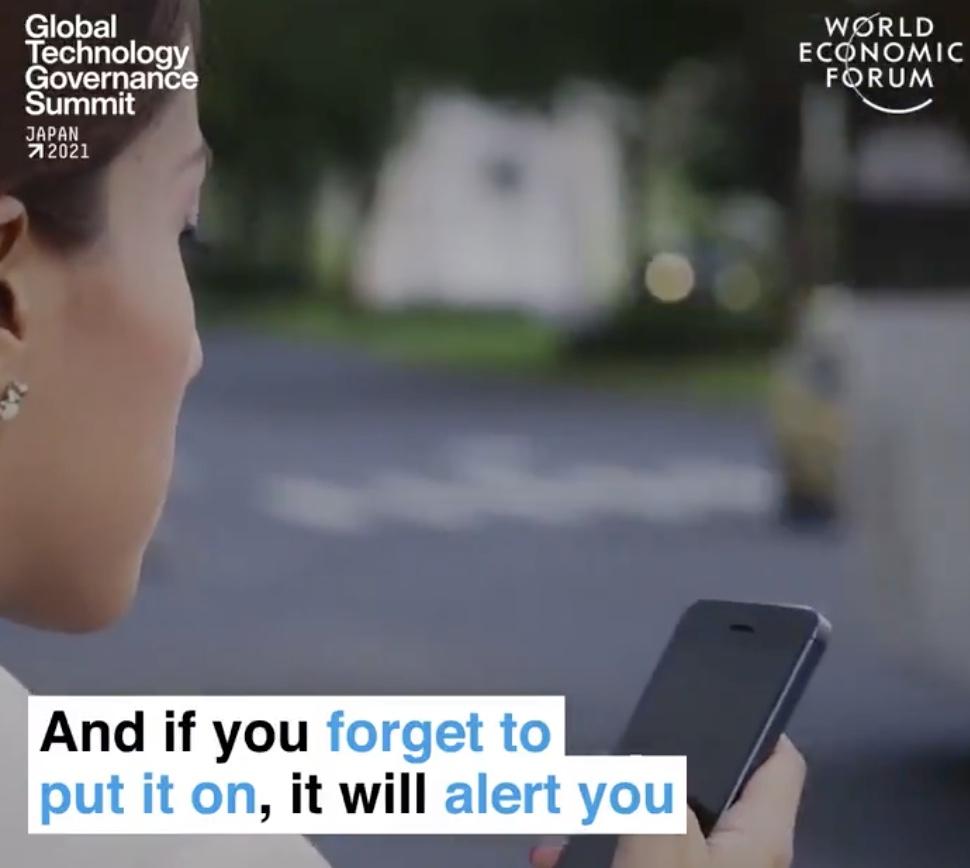 masca inteligentă este legată de smartphone-ul dvs. și trimite alerte